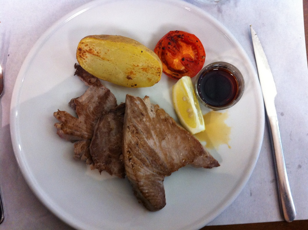 Image barcelona secret restaurants tuna potatoe main course fish